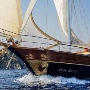 Goleta navegando por Turquia