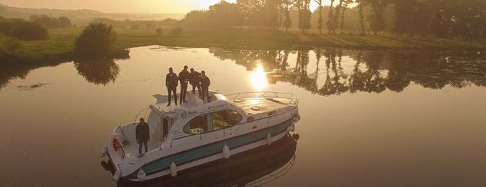 Crucero-peniche o casa flotante